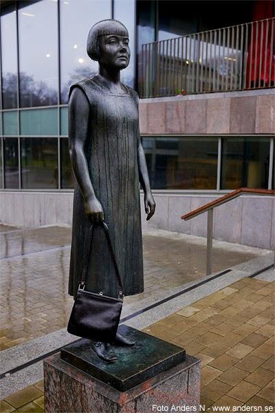 väskupproret, handväska, staty, Karin Boye