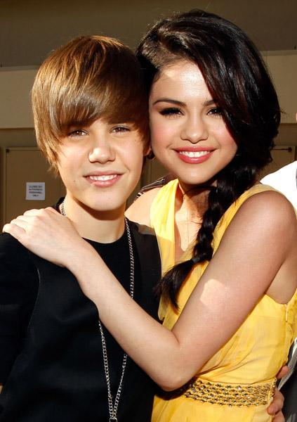 justin bieber kissed selena gomez hot. justin bieber and selena gomez