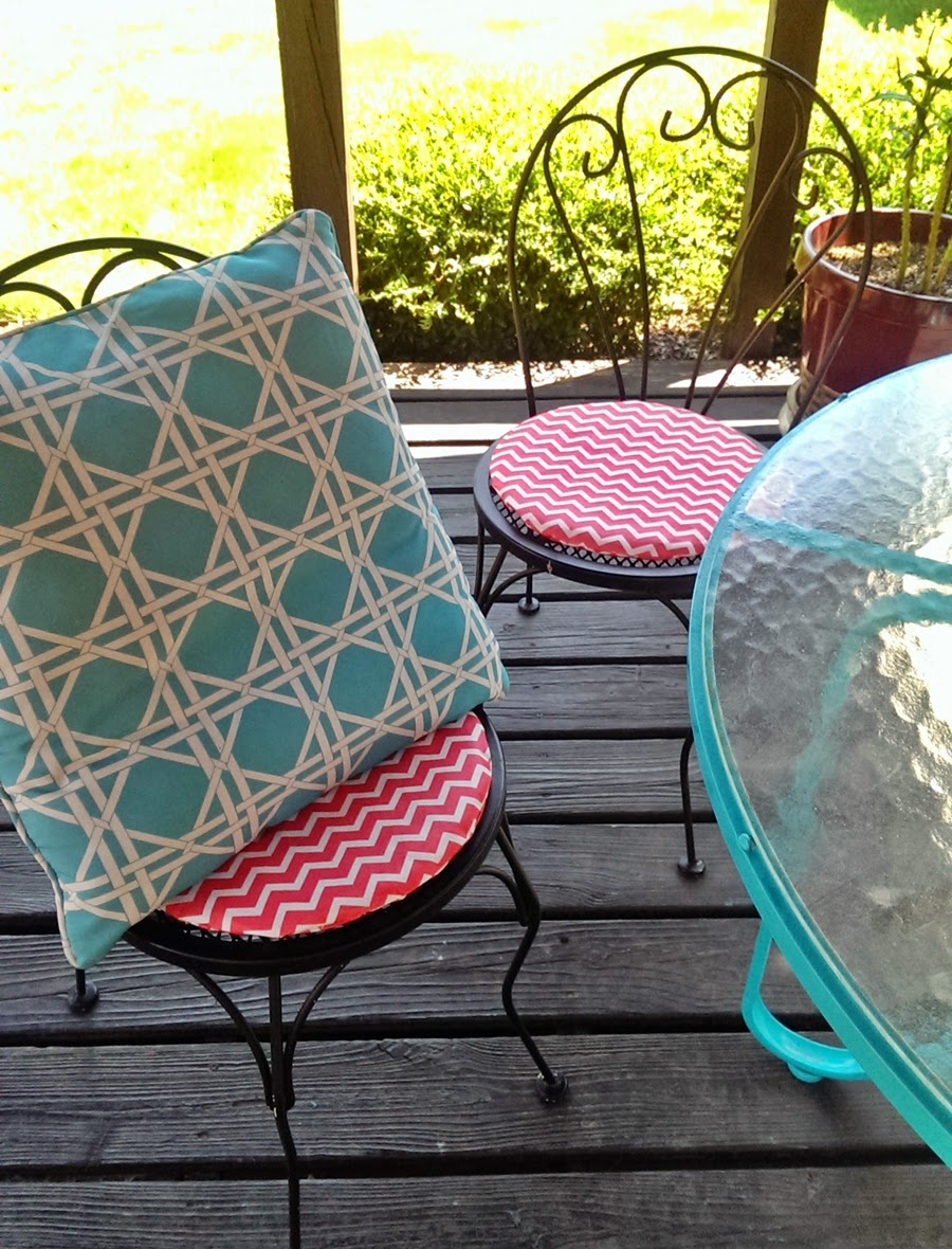 DIY Patio Furniture Pillows