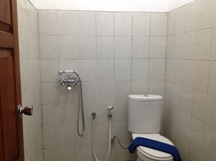 toilet Guest House Laraswati Jogja