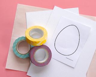 Cartão de páscoa feito com fitas adesivas