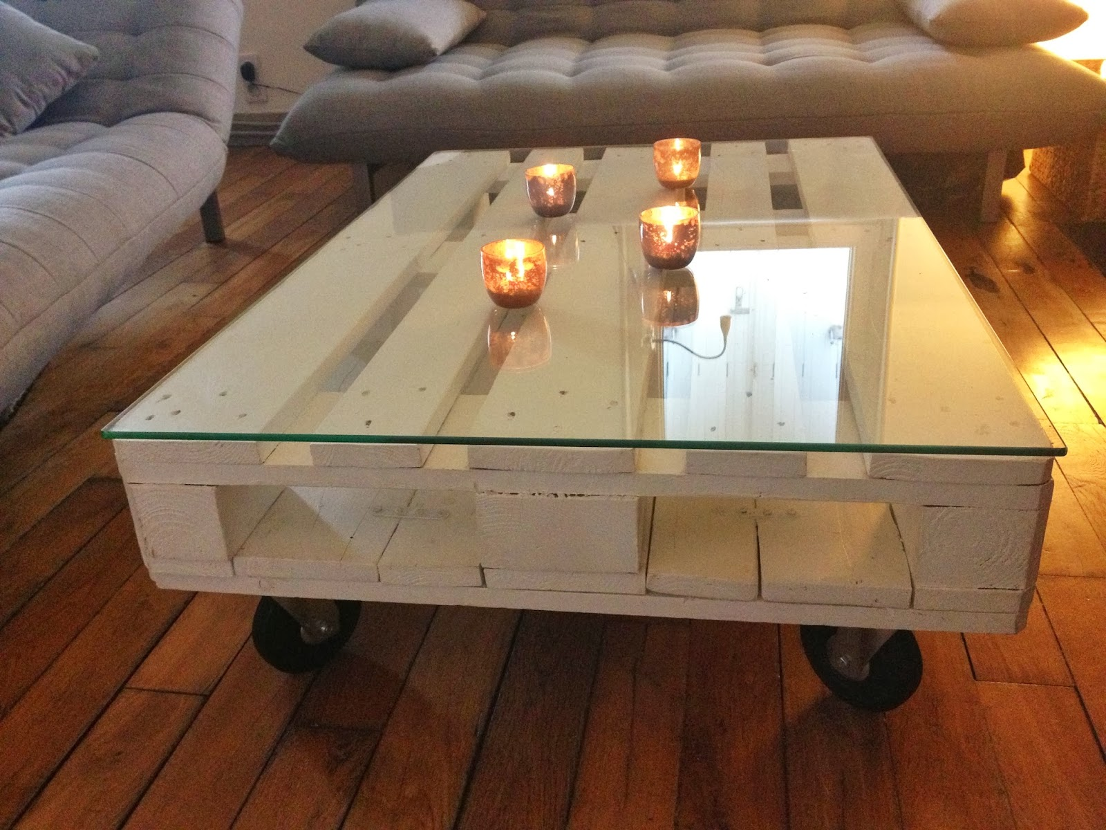 La clamartoise diy une table basse en palette - Comment transformer une palette en table basse ...