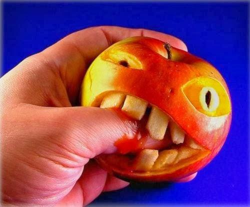 BLW manzana muerde
