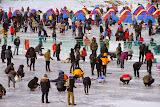 เทศกาลตกปลาน้ำแข็งที่เมืองพยองชาง >> Click!