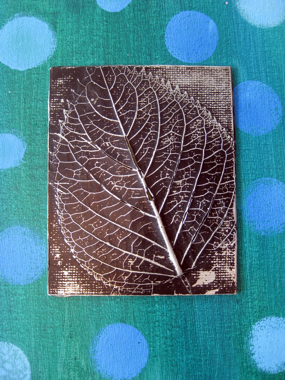 Cassie Stephens: In the Art Room: Leaf Relief