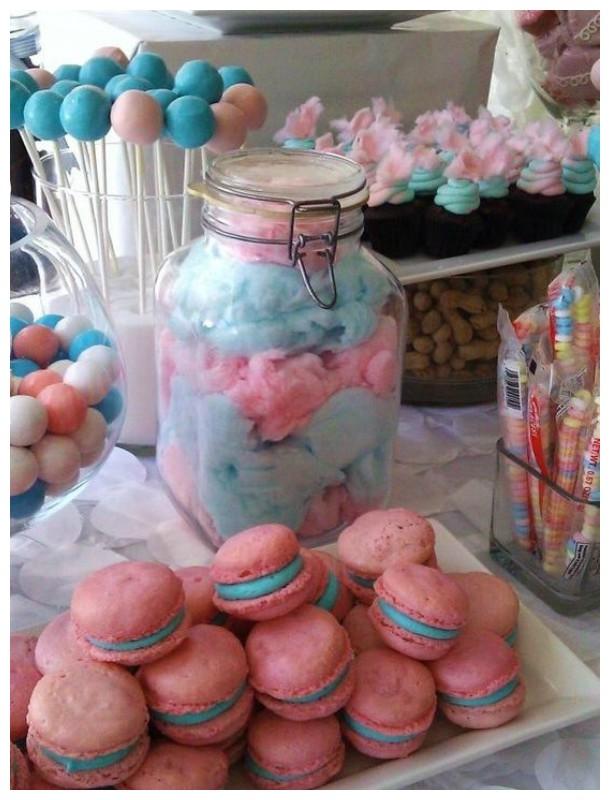 Macarons e doces no Chá de Revelação!