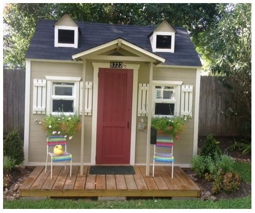 Decrospective super cute kid 39 s playhouse for Interior playhouse designs