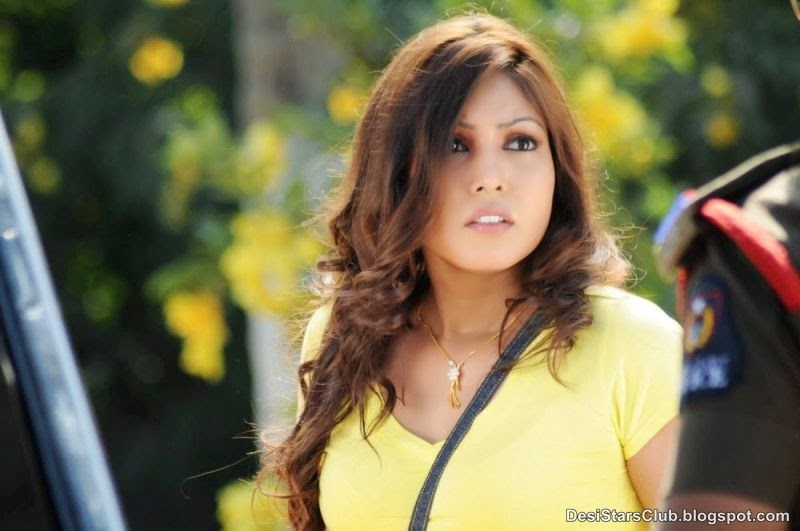 Komal+Jha+Latest+Sizzling+Top+Dress+Photos+(3) Komal Jha Latest Sizzling Top Dress Photos