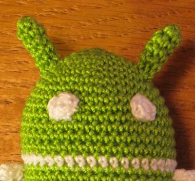 Detalle cabeza Amigurumi Android