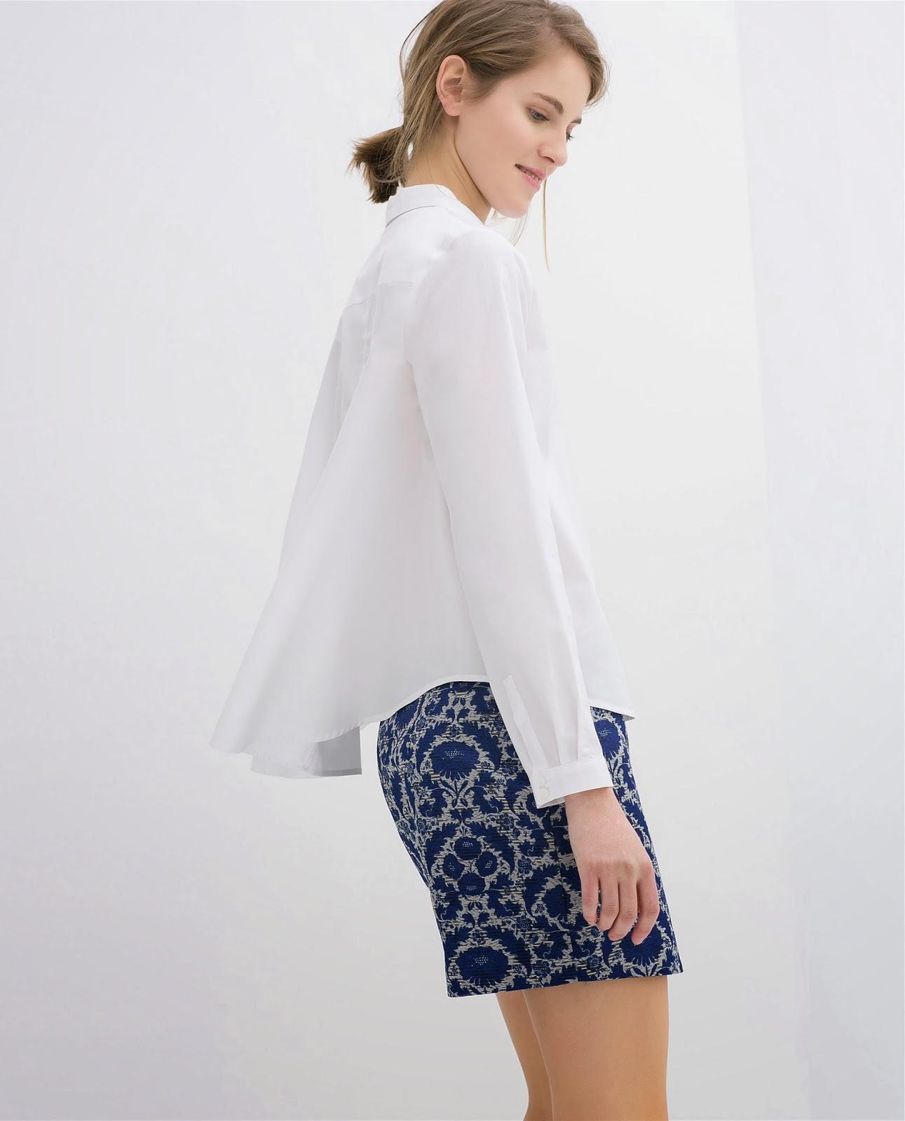Look en azul y blanco de Zara