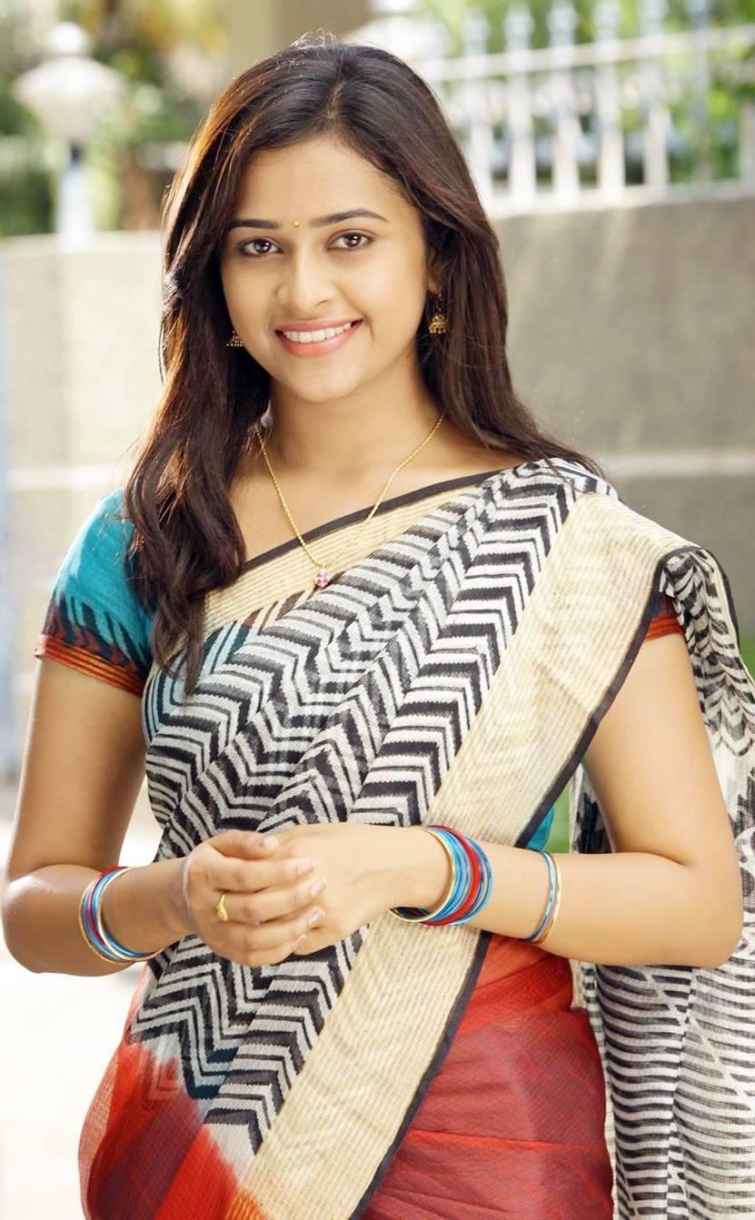 foto Sri Divya
