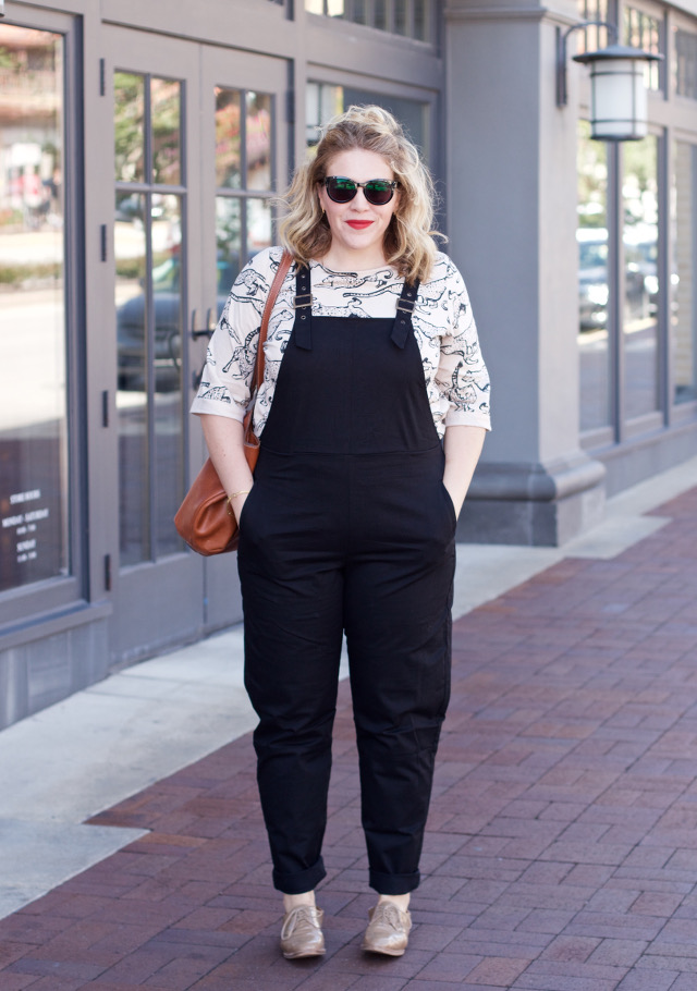 How to wear and style overalls when you are over 30 years old