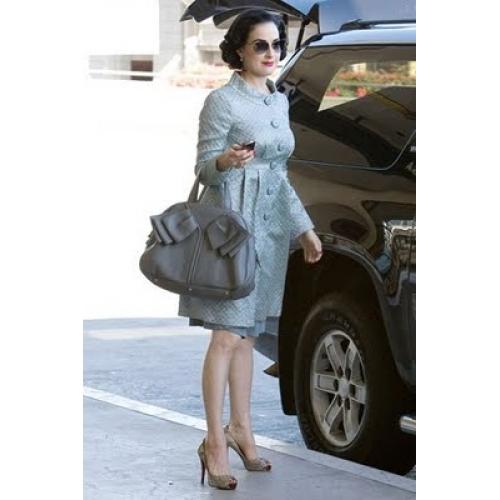 Queen Bee of Beverly Hill\u0026#39;s Handbag Blog: October 2011