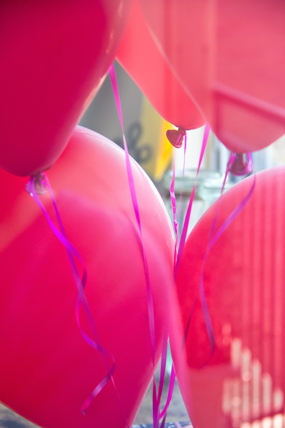 Office-Space, Home-Tour-Decoration, Table, Balloons, Colour, Holiday