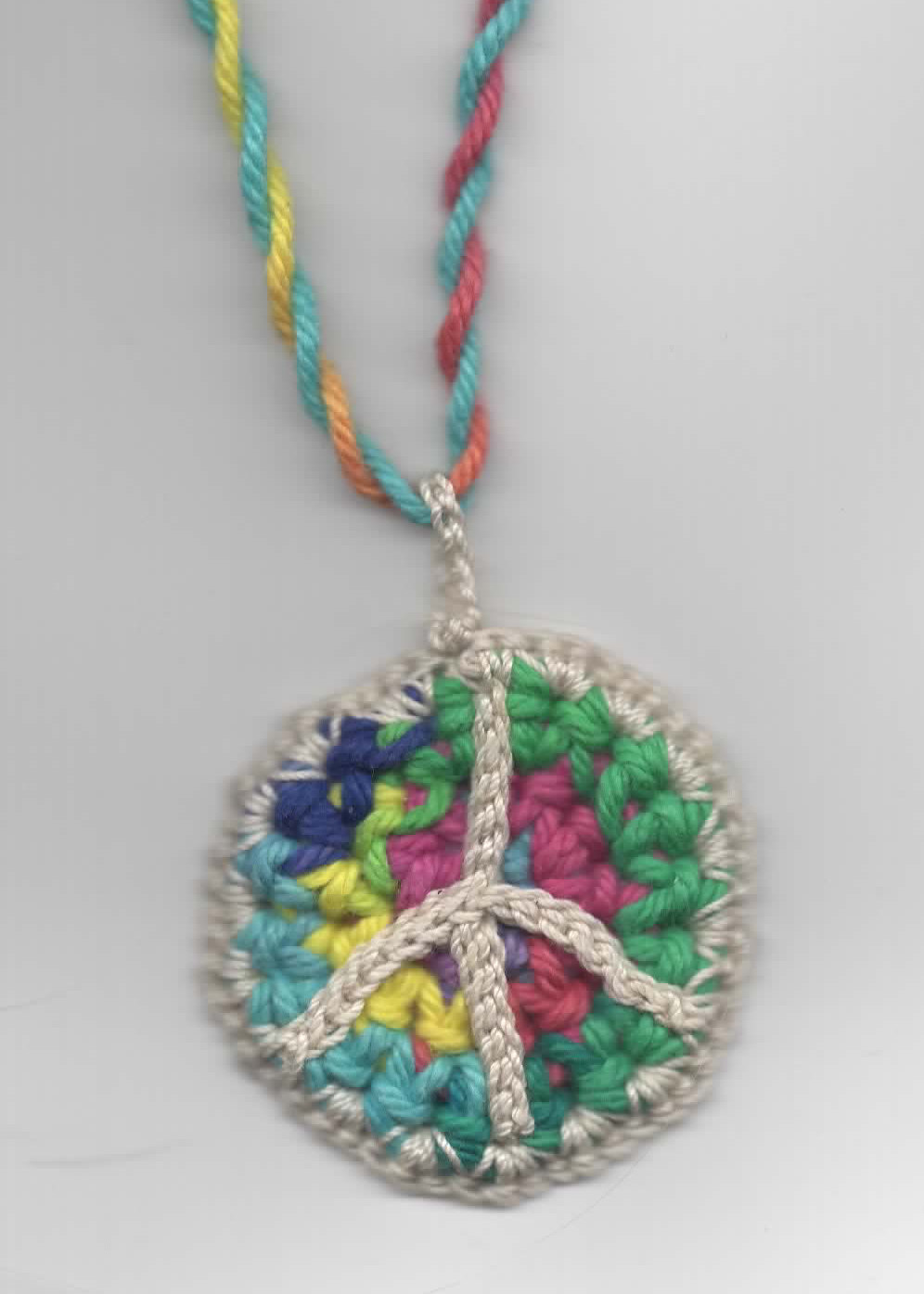 Crochet peace symbol pendant- with pattern!