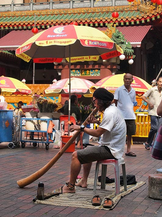 Didgeridoo on Waterloo Rd, Bugis