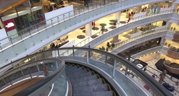 el nuevo daimaru contar con una docena de escaleras mecnicas en espiral el mayor proyecto jams relacionado con estas mquinas segn mitsubishi