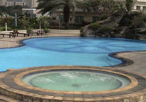 cara gampang jadi pengembang menguras kolam renang