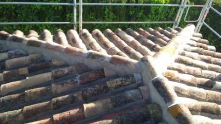 Reparaci n de tejados a cuatro aguas construcci n de for Tejados de madera a cuatro aguas