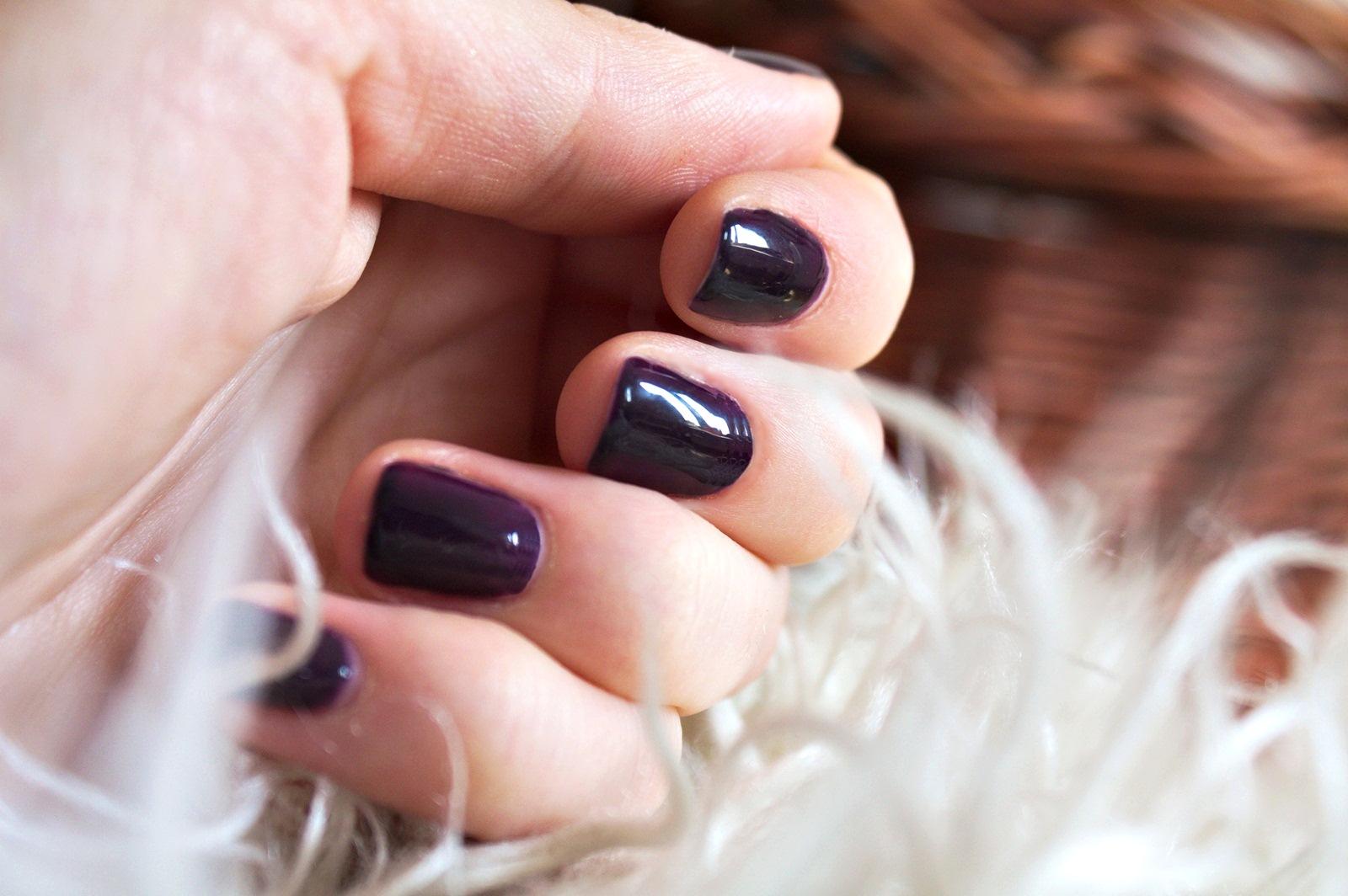 Lakier hybrydowy Semilac Black Purple 100 fioletowa czerń