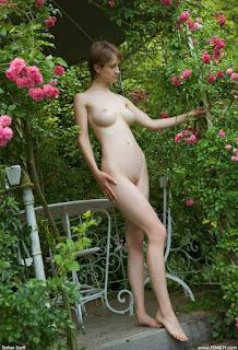 hot mature - rs-femjoy_110909_007-722143.jpg