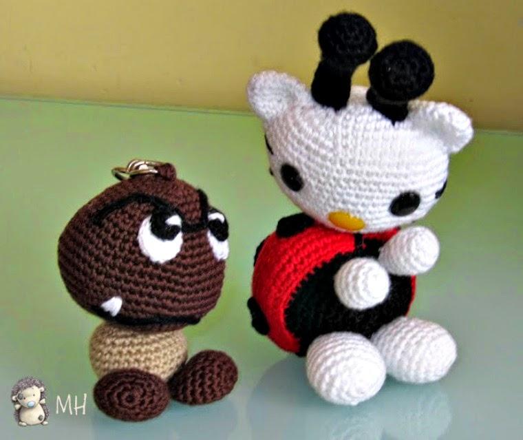 Goomba y Hello Kitty mariquita amigurumis