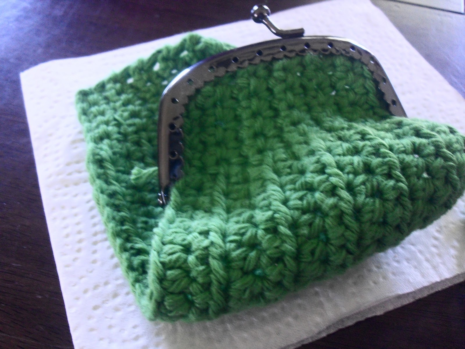 Keri On: Crocheted Coin Purse Pattern