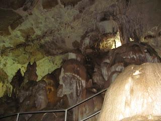 Крым, Мраморная пещера. пещера, экскурсия по пещере, сталактиты, сталагмиты, фигуры