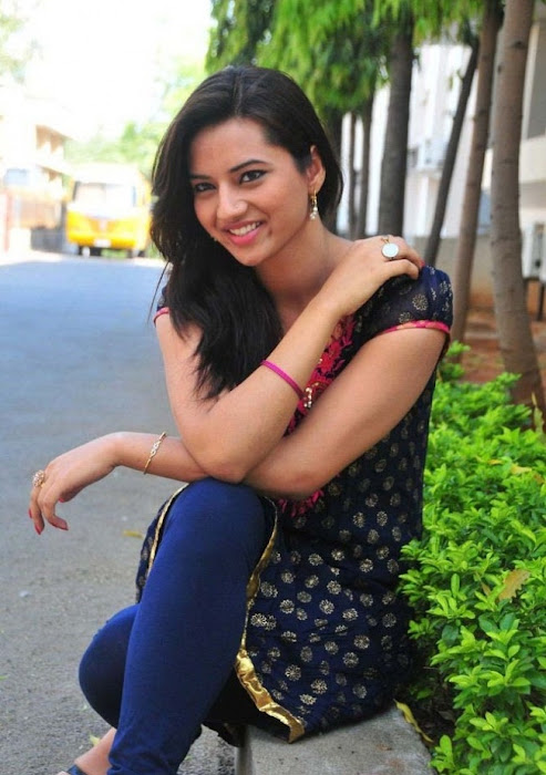 isha chawla photo gallery