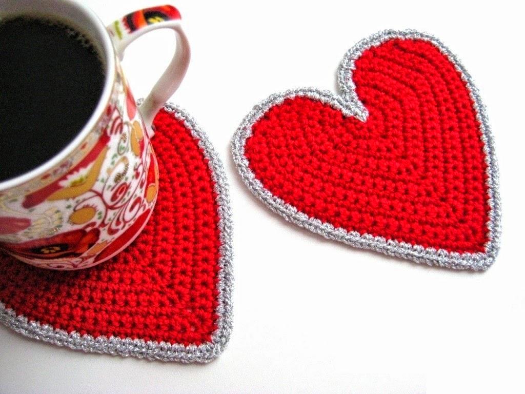 Idea para el día de la madre: posavasos con forma de corazón con patrón