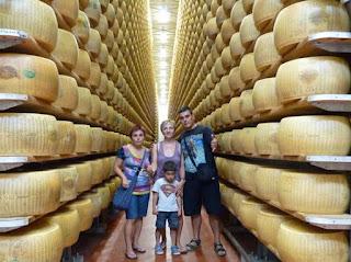 Quesería de parmigiano reggiano 4 Madonne dell'Emilia Dairy.