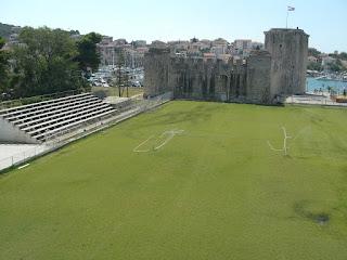 Stadion Igraliste Batarija - Stadion Terunik Di Dunia