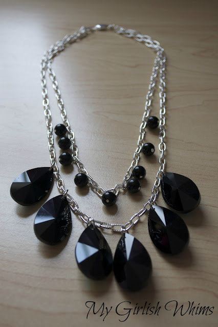 http://www.mygirlishwhims.com/2013/01/chunky-black-statement-necklace-diy.html