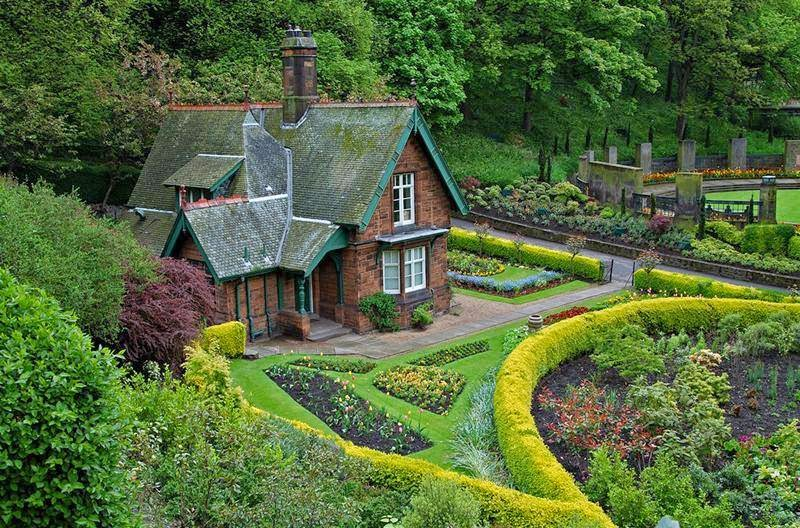 Of the most beautiful tourist cottages around the world for Beautiful cottages pictures