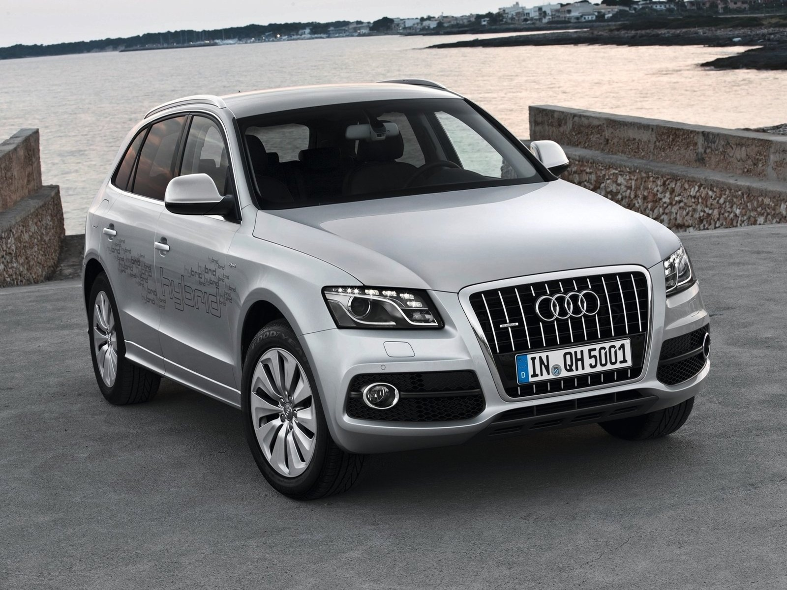 audi q5 hybrid quattro 2012 car barn sport. Black Bedroom Furniture Sets. Home Design Ideas