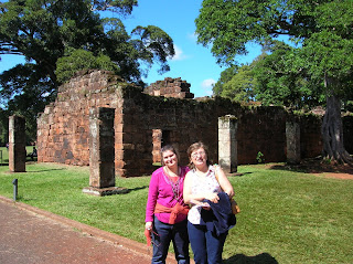 Ruinas misin de San Ignacio, Misiones, Argentina, vuelta al mundo, round the world, La vuelta al mundo de Asun y Ricardo