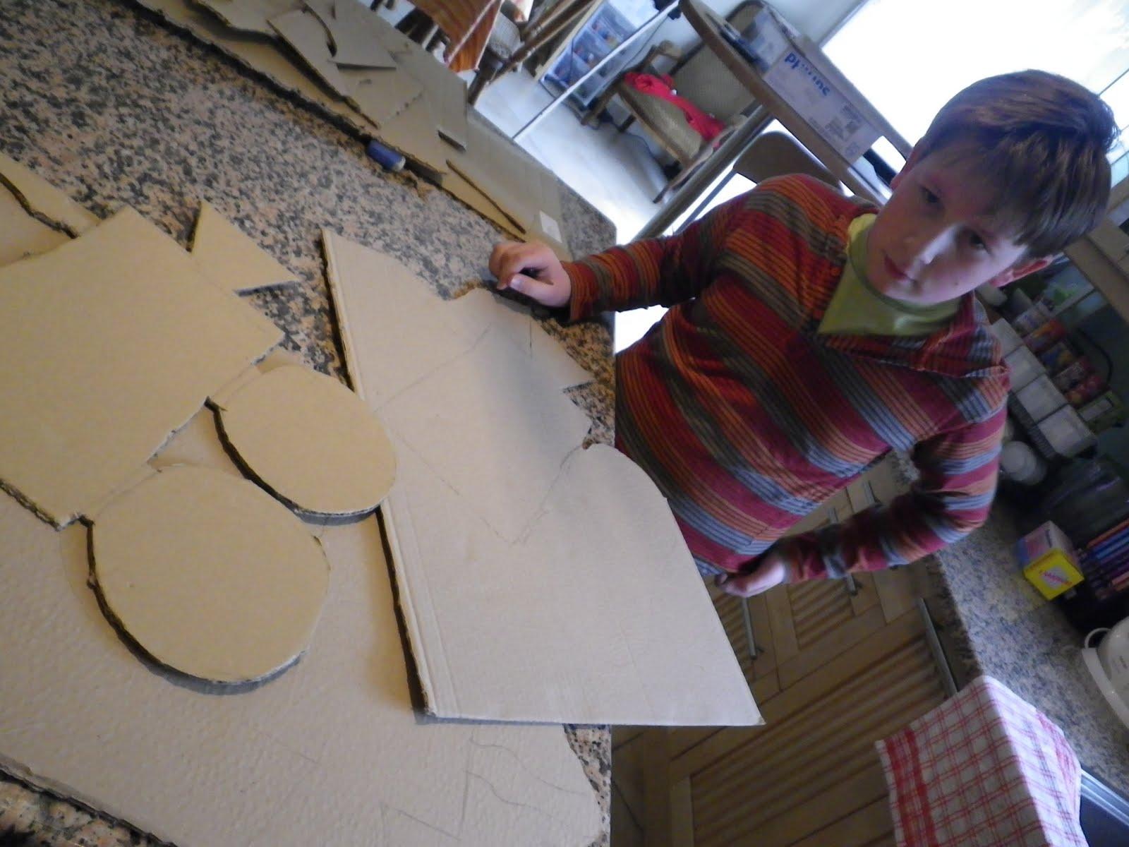 Fabriquer une camera en carton atelier retouche paris - Photos de meubles repeints ...