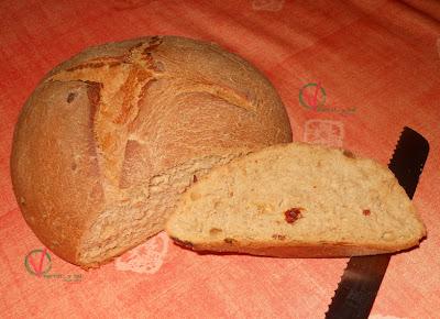 Corte del pan express con tomate.