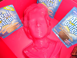 Queens Head Jelly Mould from Angel Delight