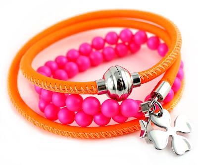 Neon Wickelarmband aus Nappaleder und Perlen Mix