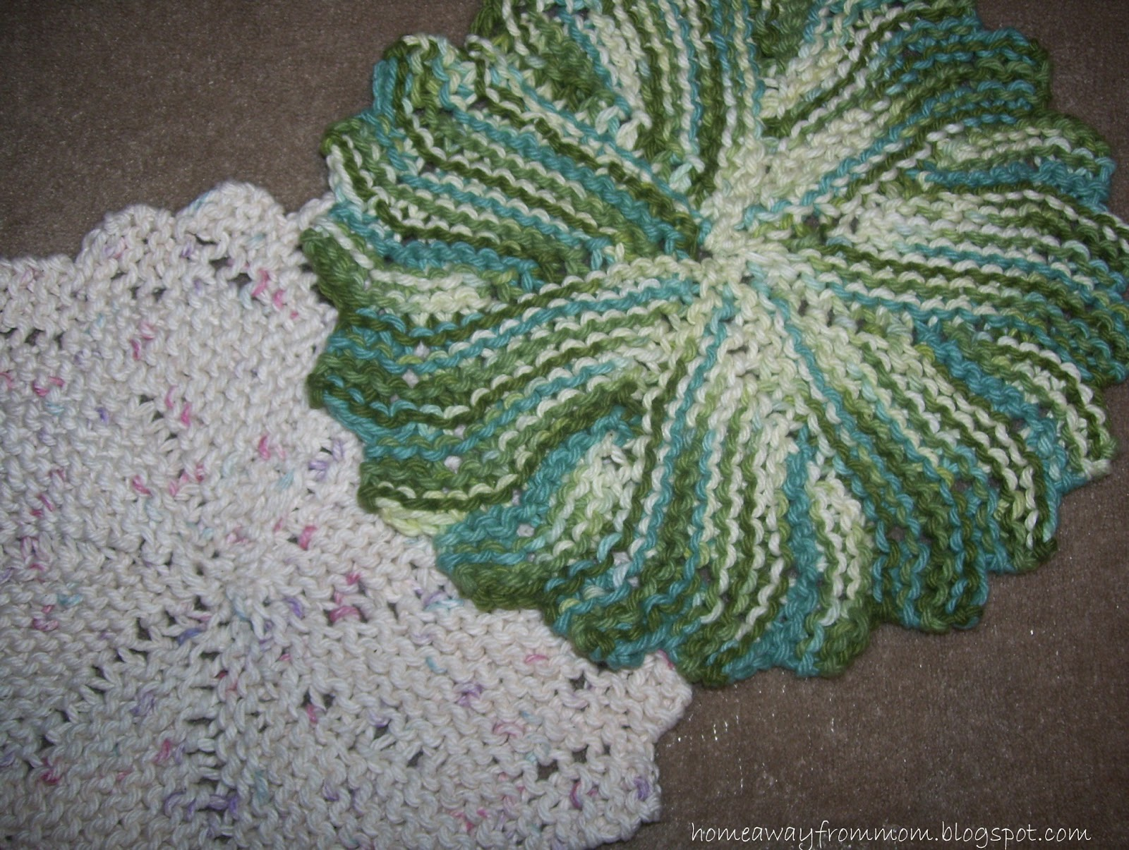Home away from Mom: Knitting Project #3/ Round Knit Dishcloth