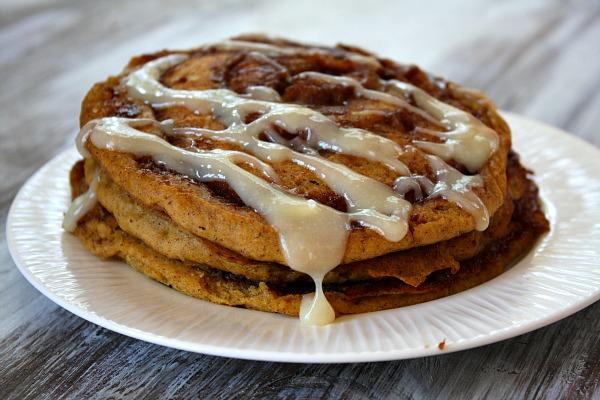 Pumpkin-Cinnamon-Roll-Pancakes-4.jpg