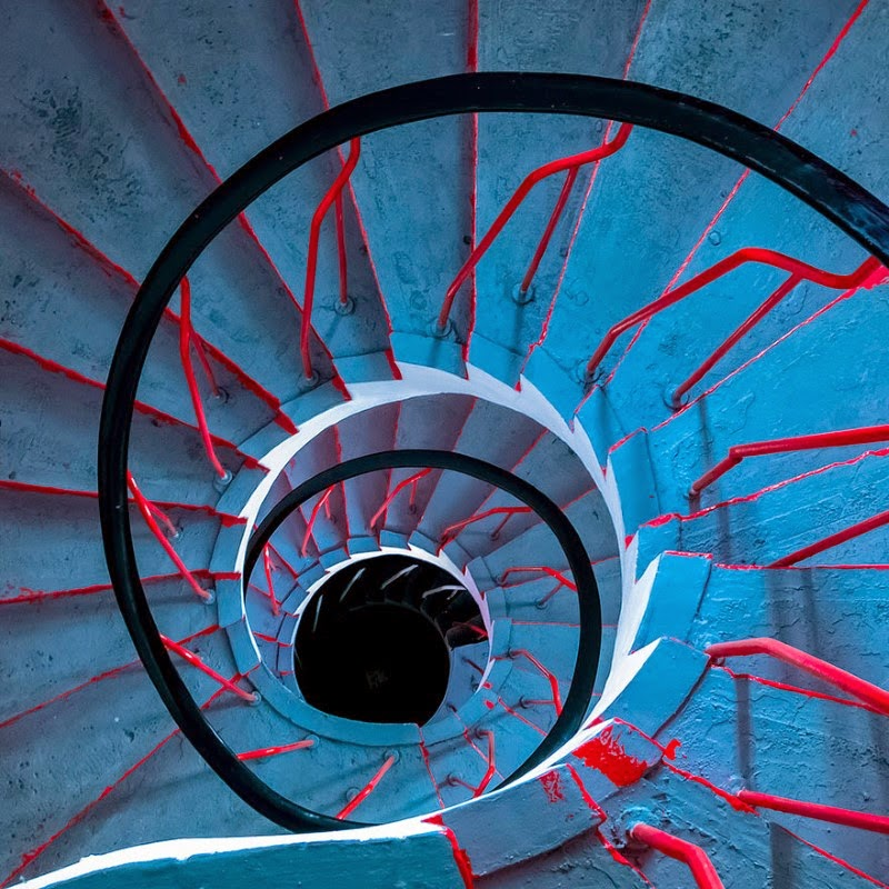 "14. ""The Drunken Painter & the Staircase"" – Carsten Heyer - 15 Mesmerizing Examples of Spiral Staircase Photography"