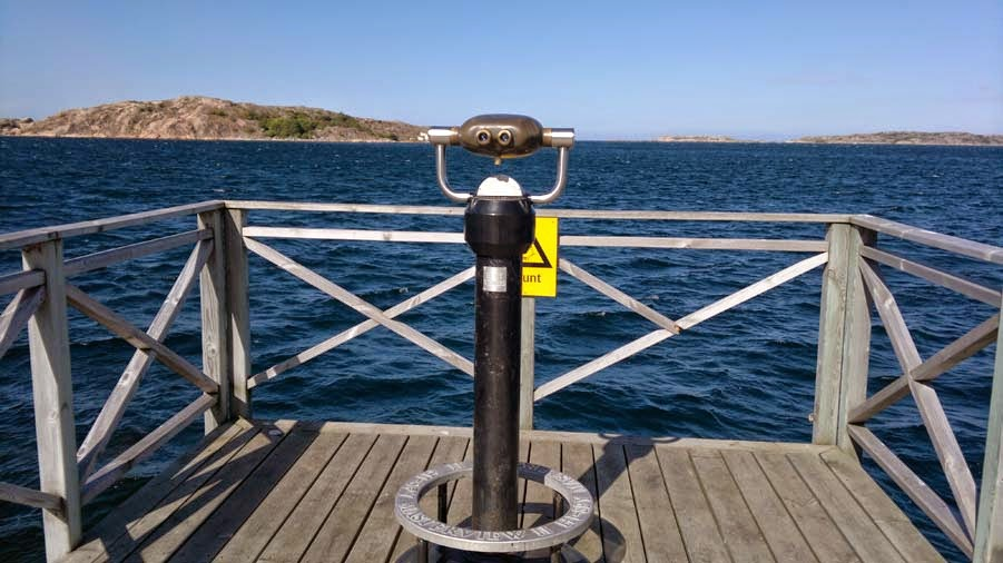 Lysekil: Binoculars you could use to zoom in over the water, nice.
