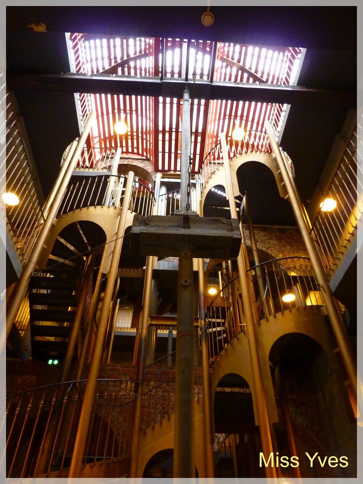 photograff l 39 esprit d 39 escalier. Black Bedroom Furniture Sets. Home Design Ideas