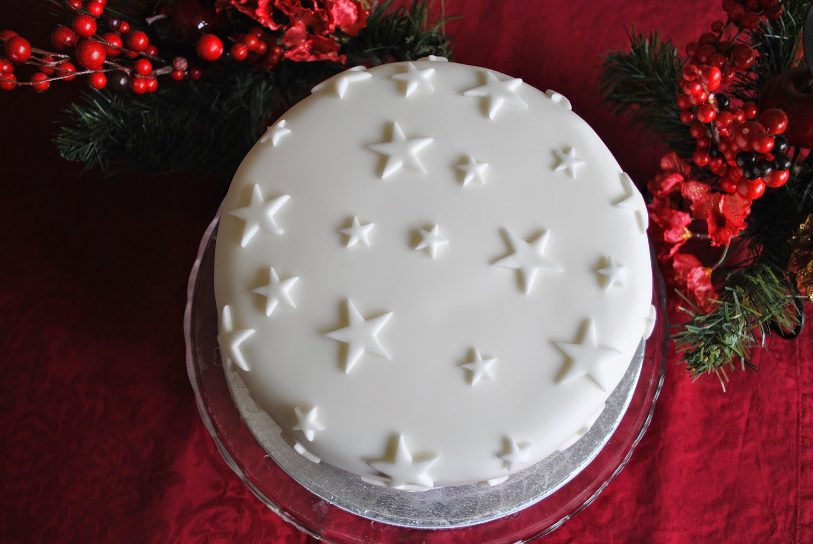 Christmas Cake Decoration With Stars : Christmas Cakes
