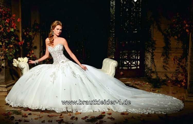 Brautkleider mit Schleppe: Cinderella Brautkleid mit Schleppe