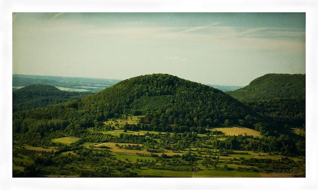 Retro Swabian Romantc Postcard Impression - Blick von der Burg Reußenstein