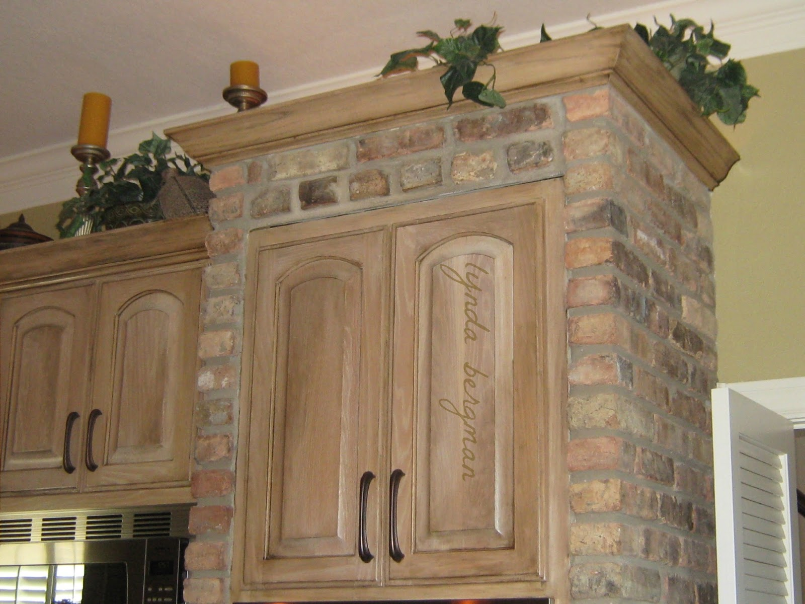 Lynda bergman decorative artisan distressing aging pickled white washed kitchen cabinets for - Whitewashed oak cabinets ...
