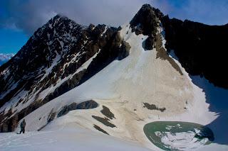 Pegunungan Himalaya Tertutup Salju